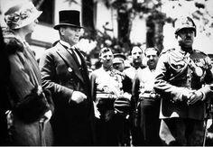 *  Mustafa Kemal Atatürkem Ankara, com o Rei Amanullah  Khan do Afeganistão. Em 1928.