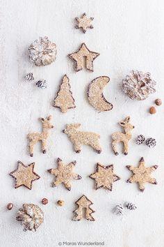 Healthy gingerbread cookies with hazelnuts // Gesunde Lebkuchenplätzchen mit Haselnüssen • Maras Wunderland