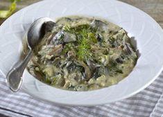 Μαγειρίτσα Υλικά συνταγής: 1 συκωταριά 2-3 ματσάκια φρέσκα κρεμμυδάκια λίγο φρέσκο βούτυρο 6 κ. σούπας ρύζι καρολίνα ή γλασέ 1/2 ματσάκι άνηθο 1/2 ματσάκι δυόσμο 1/2 ματσάκι μαϊντανό αλάτι – πιπέρι…