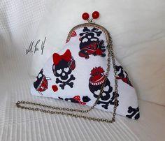 BOLSO PIN UP Bolso con un estilo muy rockabilly, y con un estampado retro .Diseño exclusivo de Hadas Pin Up que encontraras en www.hadaspinup.com #bag #bolso #pinup #retro #rockabilly  1 guardado