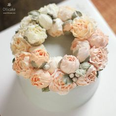 #buttercreamflowercake #flowercupcake #koreanstylecake #ollicake #olliclass #olligram #peony #rose #ranunculus #blossom #bouquet #wreath #weddingcake #partycake #버터크림플라워케이크 #올리케이크 #올리클래스 #케익스타그램 #꽃스타그램 #동편마을 #문성일 #팬선물 #since2008  www.ollicake.com ollicake@naver.com