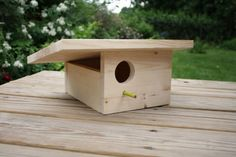 DIY modern birdhouse, made easily from a single board, an easy way to charm the birdies in your garden