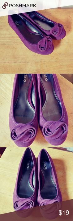 Liz&co flats Purple flat, soft to the touch, super nice wore once great condition Liz Claiborne Shoes Flats & Loafers