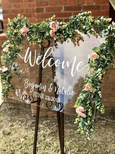 Clear Glass Look Acrylic Wedding Welcome Sign, Personalized Modern Wedding Welcome Sign Decoration for Display, Custom Wedding Sign - Wedding Planning Wedding Trends, Wedding Tips, Wedding Table, Diy Wedding, Rustic Wedding, Wedding Ceremony, Wedding Planning, Dream Wedding, Wedding Day