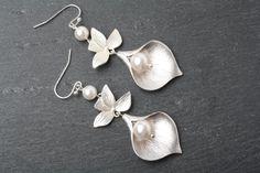 Bridal earrings, Calla earrings, wedding earrings, Statement earrings, Swarovski pearl earrings, Maid of Honor gift, calla jewelry, by CharmanteBijoux on Etsy