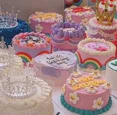 Pretty Birthday Cakes, Pretty Cakes, Beautiful Cakes, Cake Birthday, Fancy Cakes, Mini Cakes, Korean Cake, Pastel Cakes, Frog Cakes