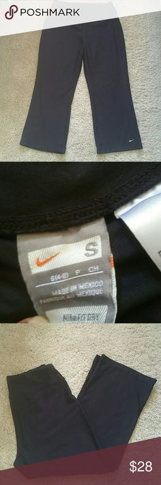 Nike dri fit pant Excellent condition Nike Pants Ankle & Cropped