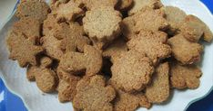Mennyei Fahéjas-mandulás keksz (Gluténmentes) recept! Nagyon finom, ropogós, lisztmentes, cukormentes kekszek :) Dog Food Recipes, Cereal, Paleo, Cookies, Breakfast, Desserts, Crack Crackers, Tailgate Desserts, Biscuits