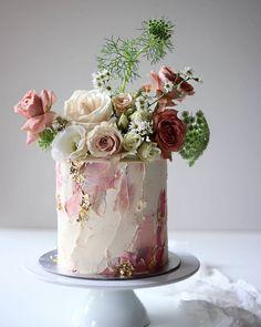 Creative wedding cake inspiration for Brides Boutique Buckingham. Pretty Cakes, Cute Cakes, Beautiful Cakes, Beautiful Cake Designs, Bolo Floral, Floral Cake, Floral Wedding Cakes, Floral Flowers, Naked Wedding Cake