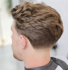 Fashionable Men's Haircuts. : Taper Fade For Thick Wavy ...