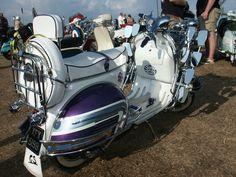 Perfect Tricolored Vespa 160 GS custom classic