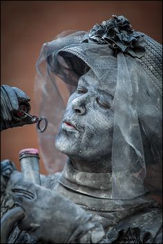 World Living Statues 2012 - Greek Statues, Angel Statues, Buddha Statues, Living Statue, Ancient Goddesses, Circus Party, Carnival Costumes, Model Ships, New Hobbies