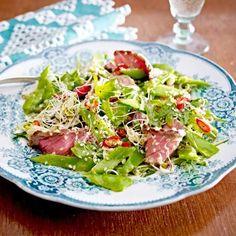 Zuckerschoten-Sprossen-Salat mit Steakstreifen