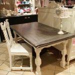 Tafel-tafels-brocante-sfeervolle meubels-meubelen-landelijk-interieur-salontafel