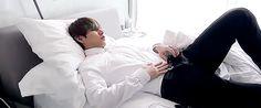 #wattpad #fanfic ✒ Donde Taehyung se porta mal en una cena de negocios y JungKook lo castiga de la peor y más placentera manera.  ↗Leve mención del YoonMin» YoonGibottom!  ==Historia proveniente totalmente de mi imaginación.== ==Prohibido hacer una copia o adaptación sin mi permiso.== ==Historia homosexual!! Si no...