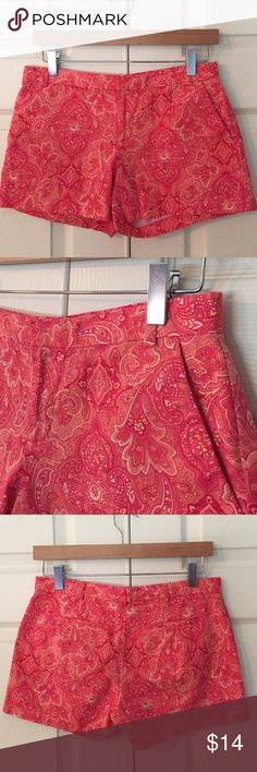 "GAP Paisley Shorts super fun pop of print and color! 100% cotton. excellent condition. size 0. waist flat is 14.5"", front rise is 7.5"", inseam is 3.5"". GAP Shorts"