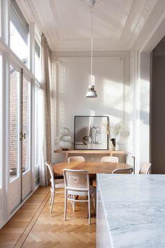 Large Furniture, Design Furniture, Home Renovation, Home Remodeling, Timeless Kitchen, Sweet Home, Avenue Design, Corner House, Nordic Design