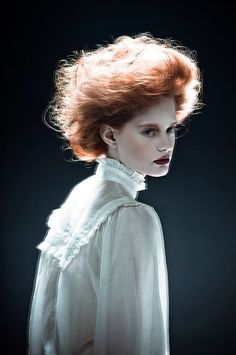 Victorian hair inspiration and dreamy haze. Zhang Jingna photography #Christmas #thanksgiving #Holiday #quote