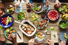 Eating a healthy low-fat diet is much easier when you have a list of low-fat foods as a resource. Low-fat diets give increased protection against the risk . Clean Eating, Eating Fast, Healthy Snacks, Healthy Eating, Healthy Habits, Diet Recipes, Healthy Recipes, Diet Meals, Low Fat Diets