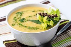 Zöldségkrémleves zöldfűszeres túrógombóccal