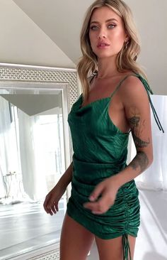 Saturday night just got sexier with the Lioness String Along Mini Dress Green Zebra. This dress does all the talking so keep things simple with nude strappy heels, statement earrings, sleek hair and a killer clutch. Sexy Dresses, Dress Outfits, Short Dresses, Fashion Dresses, Pretty Outfits, Stylish Outfits, Looks Pinterest, Satin Mini Dress, Hot Dress