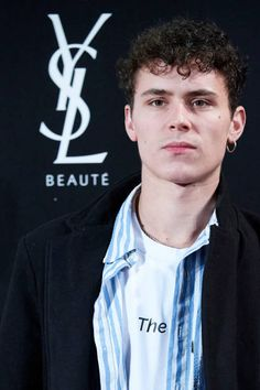 Actor Aron Piper attends 'YSL Beaute THE SLIM Rouge PurCouture' party at the Santona Palace on November 6 2018 in Madrid Spain Beautiful Boys, Pretty Boys, Cute Boys, Celebrity Faces, Celebrity Crush, Hot Actors, Actors & Actresses, Ysl Beaute, Girls Talk Boys