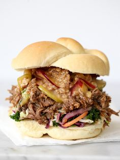 Korean Pulled Pork Sandwiches with Caramel Apple Crumble is the ultimate flavor mash-up #recipe #pulledpork