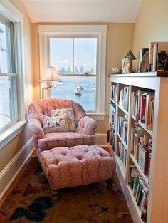 Perfect Reading Nook In Living Room Decoration Ideas - DIY Craft and Home Small Home Libraries, Overstuffed Chairs, Piece A Vivre, My New Room, Cozy House, My Dream Home, Living Spaces, Cozy Living Rooms, Sweet Home