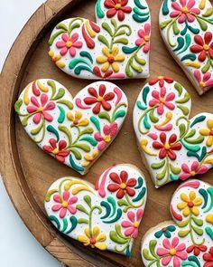 Summer Cookies, Fancy Cookies, Heart Cookies, Valentine Cookies, Iced Cookies, Cute Cookies, Royal Icing Cookies, Birthday Cookies, Holiday Cookies