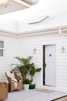 Bonnie's Dream Home - Guest Cottage - Outdoor Living - White Cladding Coastal Cottage, Coastal Homes, Coastal Living, Small Space Design, Small Spaces, Three Birds Renovations, My Pool, Outdoor Living, Outdoor Decor