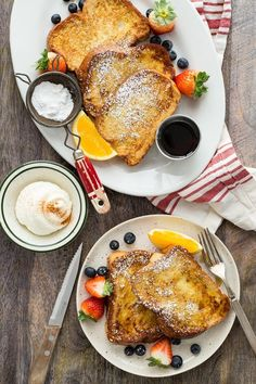 Holiday Challah French Toast on Weelicious Fruit Recipes, Brunch Recipes, Breakfast Recipes, Diet Breakfast, Breakfast Dishes, Brunch Ideas, Breakfast Ideas, Yummy Recipes, Challah French Toast