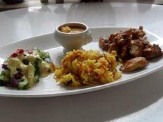 Teriyaki-Hähnchen mit Mango-Erdnuss-Soße, Curry-Möhren-Reis und Granatapfel-Gurken-Salat Rezept - Rezepte kochen - kochbar.de - mobil