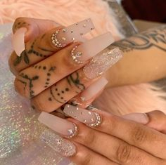 How to choose your fake nails? - My Nails Aycrlic Nails, Glam Nails, Bling Nails, Matte Nails, Manicures, Kylie Nails, Nail Nail, Jewel Nails, Coffin Nails Glitter