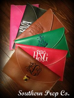 Gift for girlfriends- Monogrammed Envelope Clutch by SouthernPrepCo on Etsy, $32.00