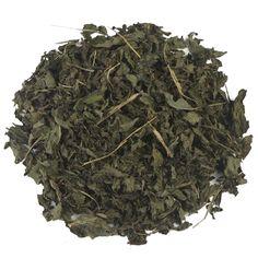 PEPERMUNT HEEL   De pepermunt die je terug proeft in deze thee wordt op een voorzichtige manier gedroogd, waardoor een hoogwaardige kwaliteit wordt behaald. De thee heeft een bijzonder hoog gehalte van etherische oliën, wat de thee een aangename geur en intense smaak mee geeft.  