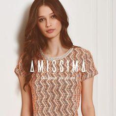 Moda é apenas um acessório para uma mulher com estilo.   #AmissimaFashionPassion