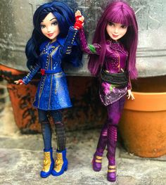 Disney Descendants Dolls, Descendants Wicked World, Disney Princess Toys, Disney Dolls, Barbie Fashionista Dolls, Barbie Dolls, Mal And Evie, Disney Decendants, Zeina