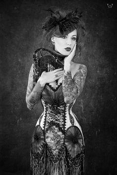 #Victorian#black&white#pretty ink