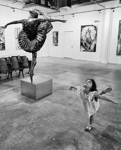 the last dance, you dance alone Black White Photos, Black And White Photography, Dance Photography, Street Photography, Photography Ideas, Last Dance, Jolie Photo, Art For Art Sake, Old Photos