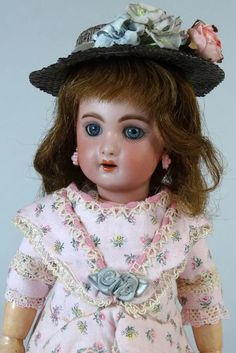 Antique French bisque head doll made by Jumeau ca. 1900. The doll stands 11.8 (30 cm) tall. Her bisque head is free of damage or repair, no cracks, chips or restoration. The head is marked 1907 3.