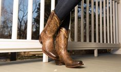 4 Easy Ways to Fix Scuffed Boots