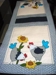 Trilho caminho de mesa tema galinhas e girassois em algodão cru lavado(não encolhe) e tecidos 100% algodão R$ 89,90