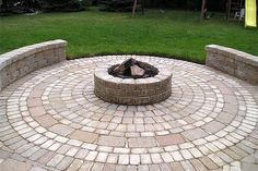 Paverstone Patio Design Circular Pattern To Form A Round Patio