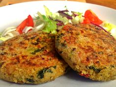 Quinoa and Kale Cakes - Can these be baked? Another pinner wrote: These are AMAZING ~ These quinoa and kale cakes are a little taste of heaven. The quinoa gives these cakes a wonderful texture and the flavours are fantastic. Vegan Vegetarian, Vegetarian Recipes, Healthy Recipes, Vegan Food, Quinoa Cake, Quinoa Bread, Whole Food Recipes, Cooking Recipes, Vegan Main Dishes