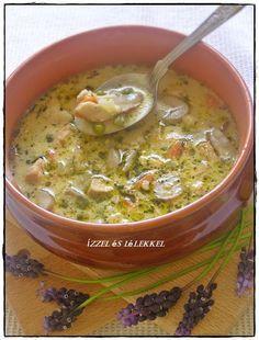 Ez a leves az egyik nagy kedvenc nálunk! Tele van finom zöldségekkel, csirkehússal, pikáns és laktató! Hozzávalók:     700 g csir... Meat Recipes, Chicken Recipes, Cooking Recipes, Healthy Recipes, Chowder Recipes, Hungarian Recipes, Beef Tagine, Italian Soup, Breakfast Time