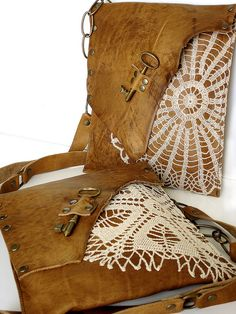 (Bags of my heart) Leather Boho Messengers w/Vintage doilies & Antique Keys by UrbanHeirlooms. Antique Keys, Antique Lace, Vintage Lace, Doilies Crafts, Lace Doilies, Doily Art, Couture Cuir, Lace Bag, Boho Bags