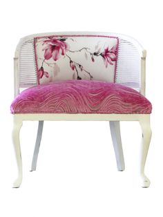 Shabby Chic Furniture: How to Paint and Distress – Shabby Chic News Funky Furniture, Upcycled Furniture, Unique Furniture, Shabby Chic Furniture, Cane Furniture, Furniture Chairs, Furniture Market, Steel Furniture, Plywood Furniture
