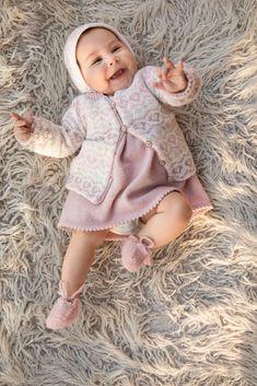 Kvalitet fra naturen siden 1879. Vi ønsker å inspirere deg – både med flott design og fantastiske garnkvaliteter. Dale Garn er din garanti for kvalitet og faglig kompetanse. Crochet Crafts, Knit Crochet, Baby Knitting Patterns, Sewing, Pink, Threading, Dressmaking, Couture, Stitching