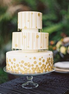 #Cake | See the #ArtDeco Inspired Shoot on #SMP: http://www.stylemepretty.com/2013/07/22/art-deco-shoot-diy-from-oak-and-the-owl/