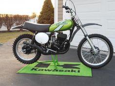 Your Collection: 1976 Kawasaki - Racer X Online Kawasaki Dirt Bikes, Kawasaki Motorcycles, New Motorcycles, Vintage Motorcycles, Mx Bikes, Honda Bikes, Cool Bikes, Motocross Racer, Motocross Bikes